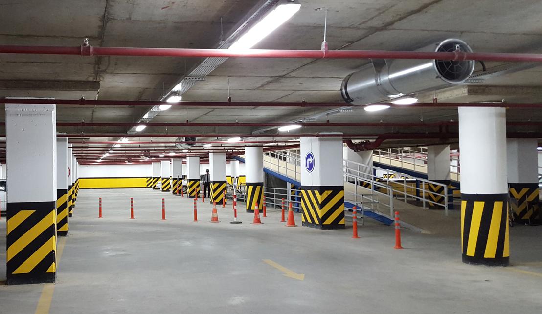 Family Mall - Additional Building 4 Floor Car Parking Garage (Darin Grup)